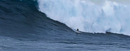 Surfer's old-school ride ruled biggest ever