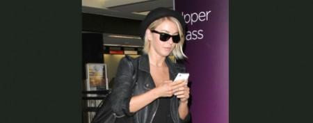 Actress's Halloween twist on airport attire