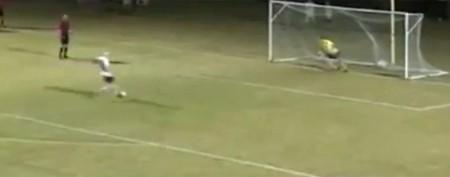 Teen goalie's heartbreaking playoff moment