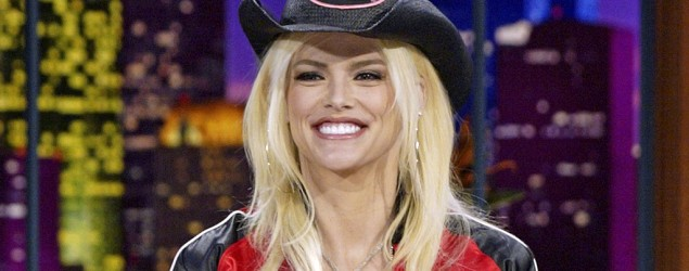 Star transformed to play Anna Nicole Smith. Shown: Anna Nicole Smith on 'The Tonight Show With Jay Leno' (NBC)