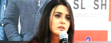 Preity Zinta creates ruckus at airport?