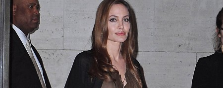 Angelina Jolie's aunt dies of cancer