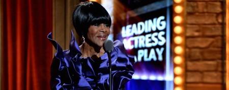 Actress's Tony Awards speech sparks ovation