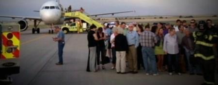 Police: Plane passenger said he had bomb