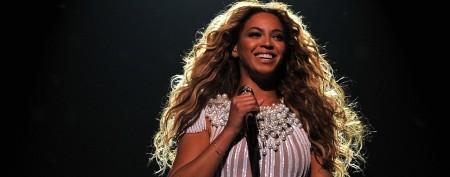 Beyoncé shares wacky 'fish-face' photo