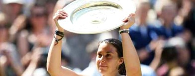 Bartoli wins lopsided Wimbledon final