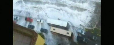 Tsunami-like waves hit Peru and Chile