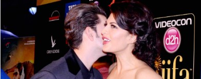 Who was Jacqueline kissing in Macau?