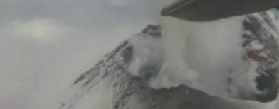 Stunning video: Plane over active volcano