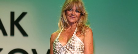 Goldie Hawn does the unthinkable in ball gown