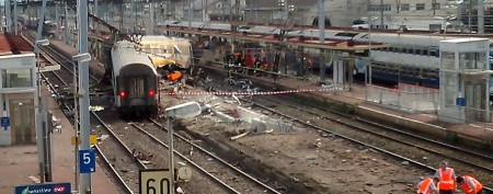 At least six killed in train wreck near Paris
