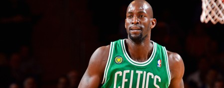 Garnett's new number honors late teammate