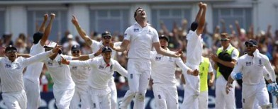 England win dramatic first Ashes Test
