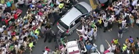 Mob scene after pope's wrong turn in Brazil