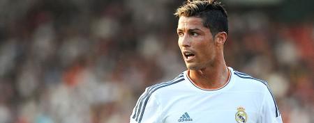 Soccer star's bone-crushing kick