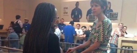 Woman's meltdown at an Apple Store captured
