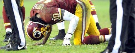Nasty injury knocks RG3 from game