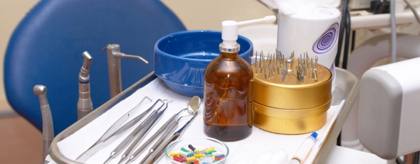 A dentist's tools. (ThinkStock)