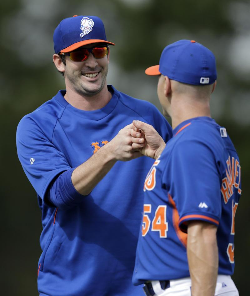 Harvey throws for first time since elbow surgery