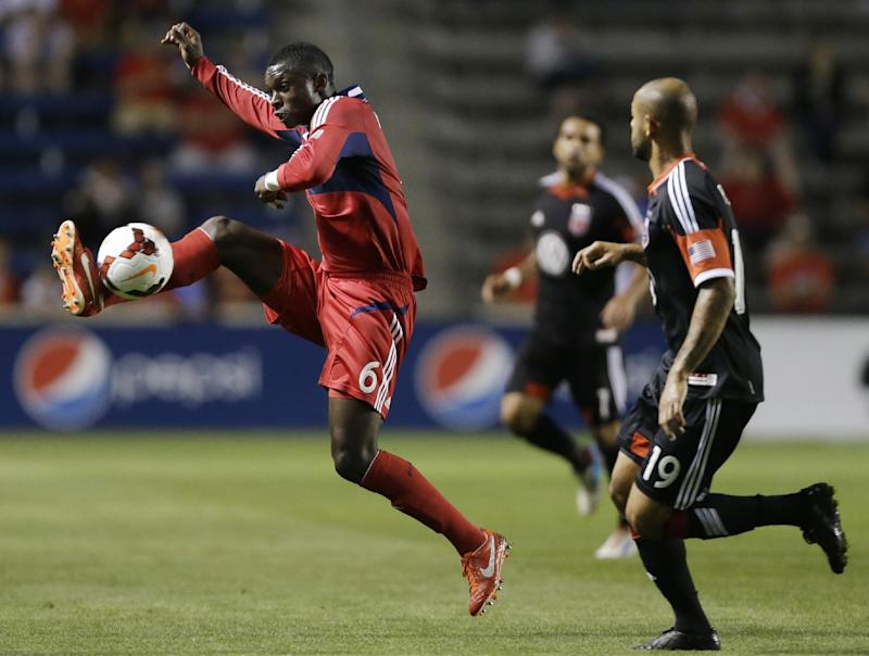 Seattle sends 2 defenders to Chicago for Anibaba