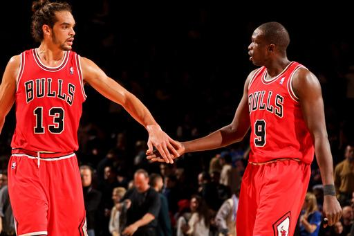 Anthony, 3 others tossed as Bulls beat Knicks