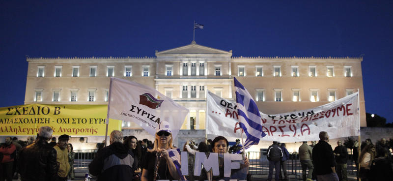 Greece passes 2013 austerity budget