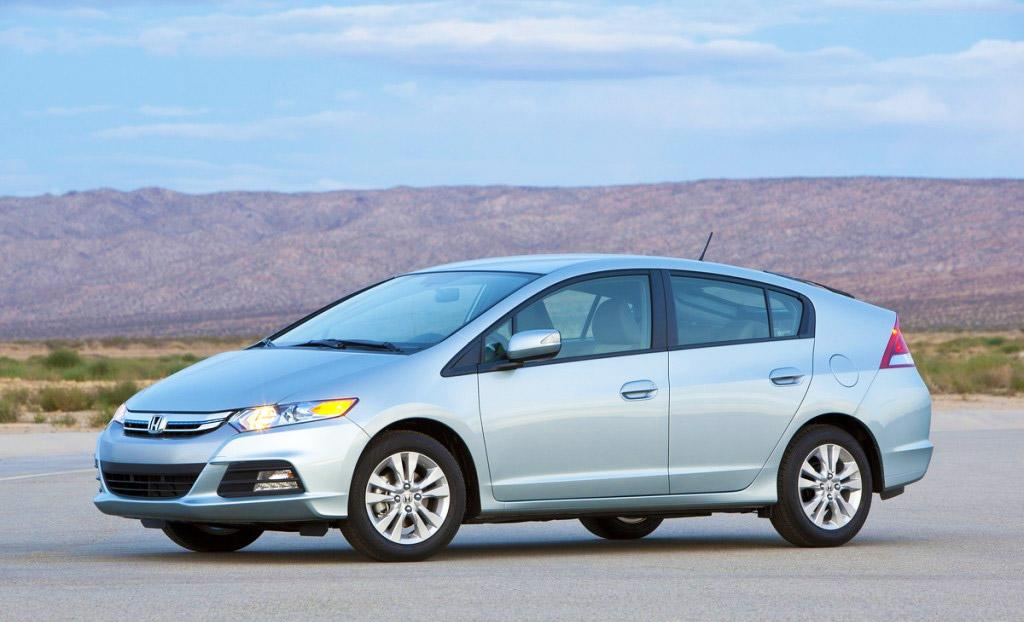 """<center><b>Winners (cont.)</b></center><b><a href=""""http://autos.yahoo.com/honda/insight/"""" target=""""_blank"""">Honda Insight</a></b><br />EPA: 42 mpg combined<br />Real world: 43-46 mpg<br /><br />Another much maligned Honda, the Insight seems able to beat its official 42 mpg figure by as much as 10 percent. 2012's sample of 48 cars is faring best, with up to 46.4 mpg on average. Figures well into the 50s aren't uncommon for individual users, and only a handful are doing less than 38 mpg--the Insight really does punch above its weight. It's also one of the cheapest hybrids on sale, and it represents a good way of getting high mileage for less money."""