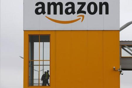 EU accepts Amazon's e-book commitments