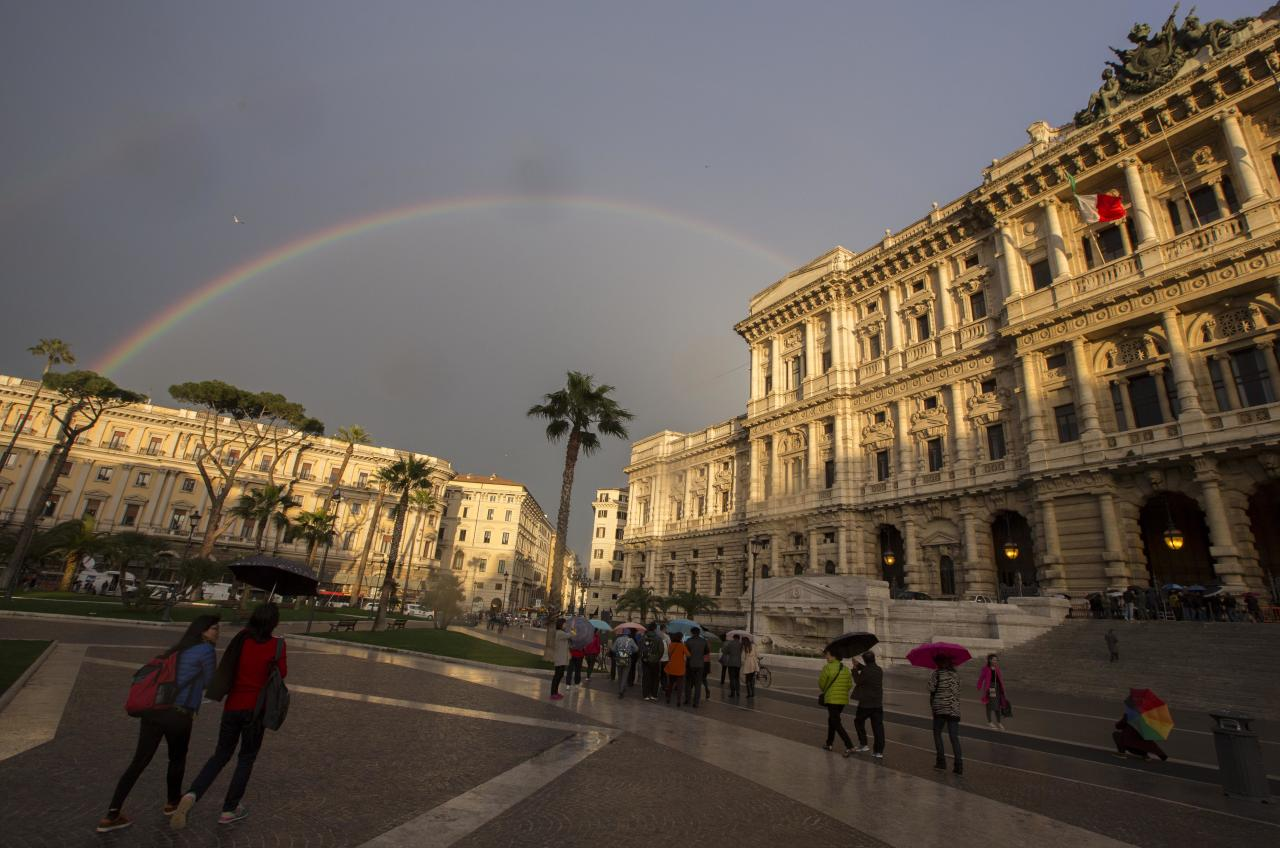 A double rainbow forms over Italy's highest court building, in Rome, Friday, March 27, 2015. American Amanda Knox and her Italian ex-boyfriend Raffaele Sollecito expect to learn their fate Friday when Italy's highest court hears their appeal of their guilty verdicts in the brutal 2007 murder of Knox's British roommate. (AP Photo/Riccardo De Luca)
