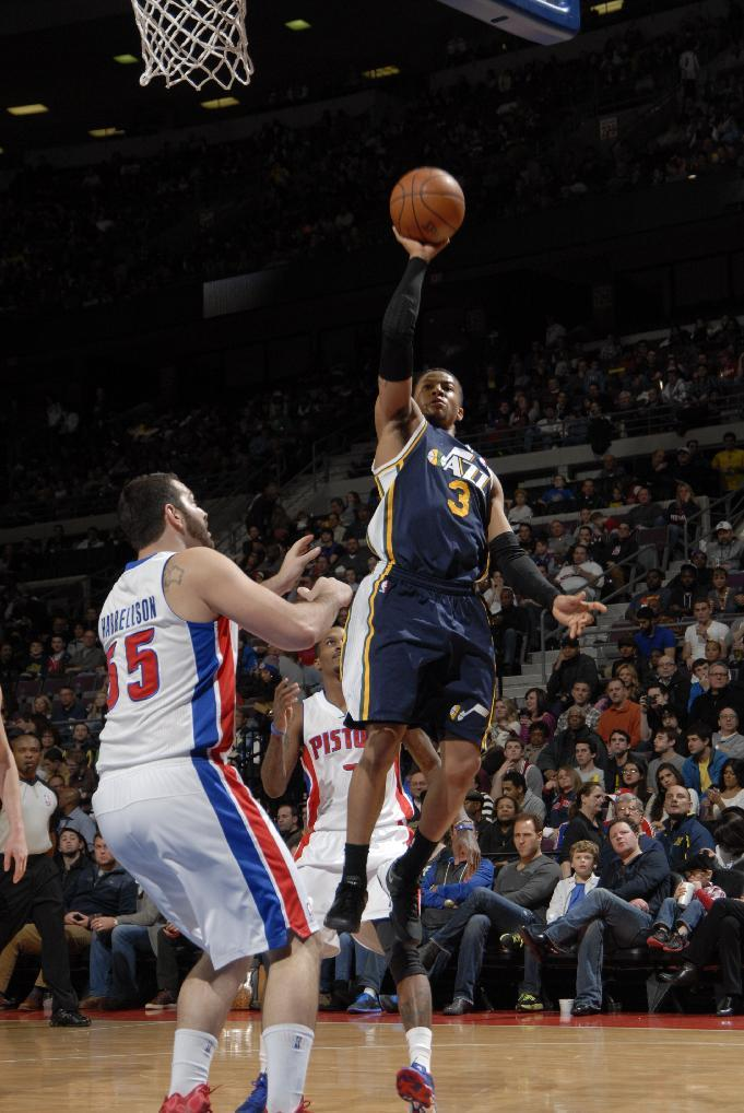 Burke leads Jazz to 110-89 rout of Pistons