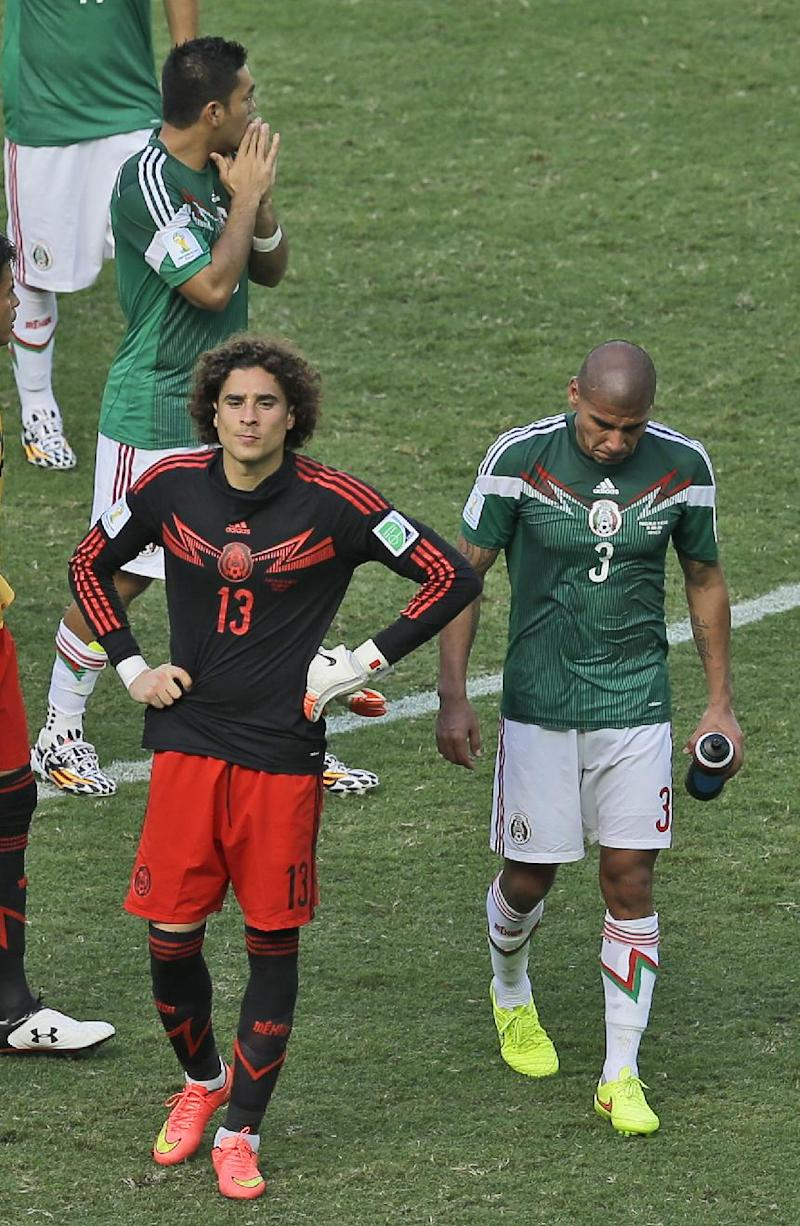 Ochoa the standout for valiant Mexicans
