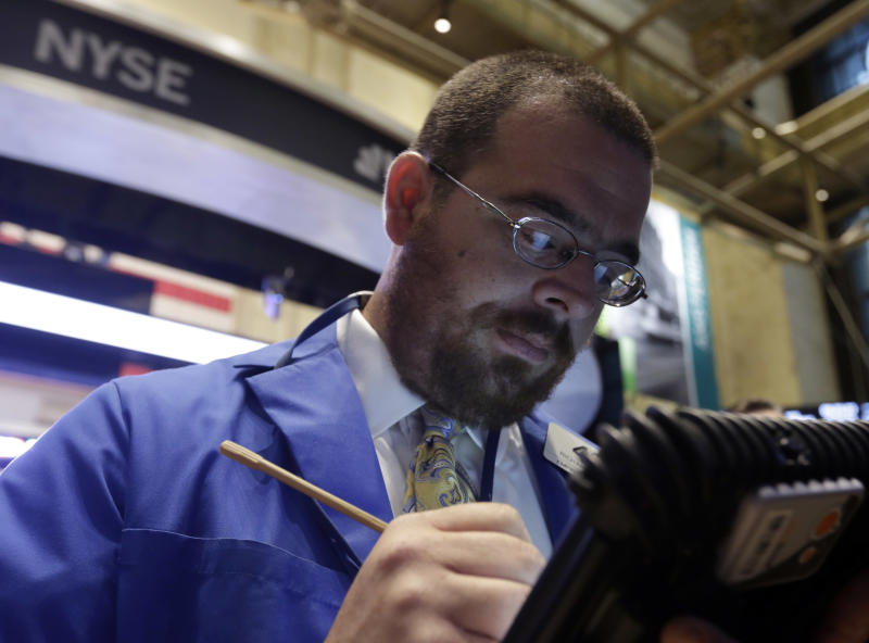 Stocks fall as government shutdown drags on