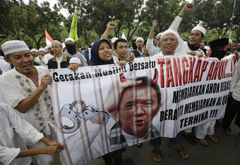 Police to lock down Indonesian capital for blasphemy protest