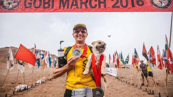 Marathon runner on reunion with missing dog, Gobi