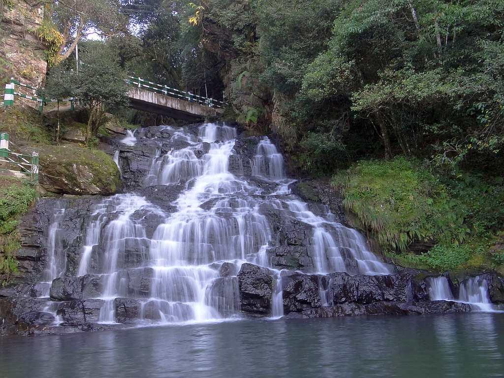 "Elephant Fall in in Mawnianglah, Meghalaya, located just about 10 km from Shillong. This is a popular picnic spot. <br>By <a target=""_blank"" href=""http://www.flickr.com/photos/sskalai/"">Shyam Son Kalai</a>/ Flickr"