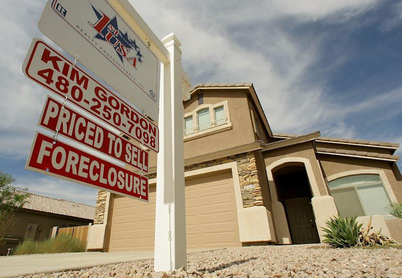 Sharp drop in US homes lost to foreclosure in Feb.
