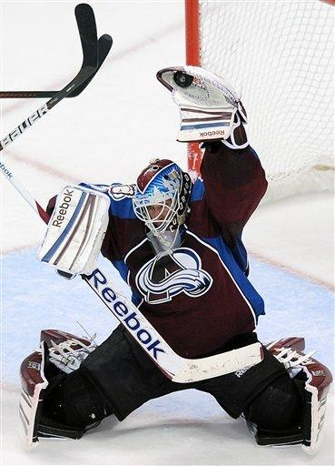 Giguere stops 37 shots as Avalanche top Blues, 3-2