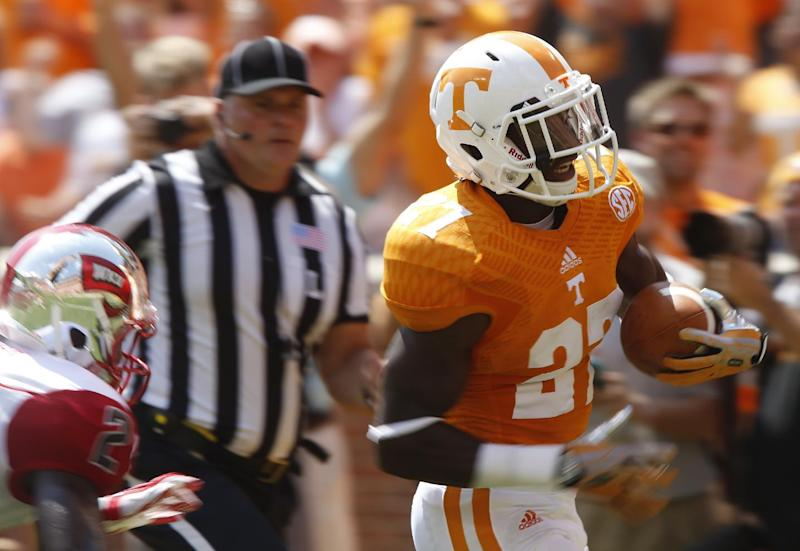 Vols beat turnover-prone Western Kentucky 52-20
