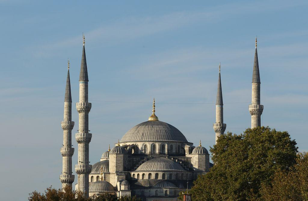 """<p>ISTANBUL, TURKEY: The iconic Sultanahmet Mosque in Istanbul, Turkey is a masterpiece of Ottoman and Byzantine architectural traditions. <br /><a title=""""Istanbul"""" href=""""http://in.lifestyle.yahoo.com/photos/istanbul-where-asia-and-europe-meet-slideshow/"""" target=""""_blank"""">View more photos of Istanbul</a></p>"""