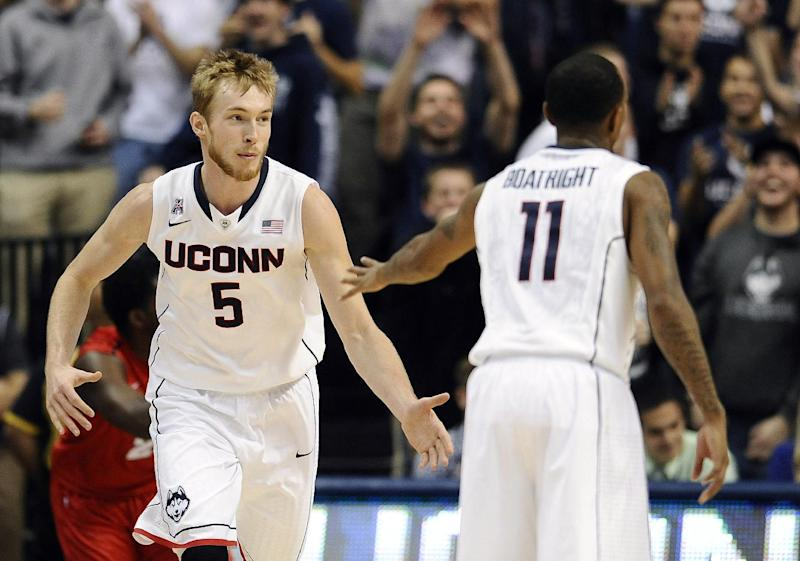 UConn routs Detroit 101-55 in 2K Sports Classic