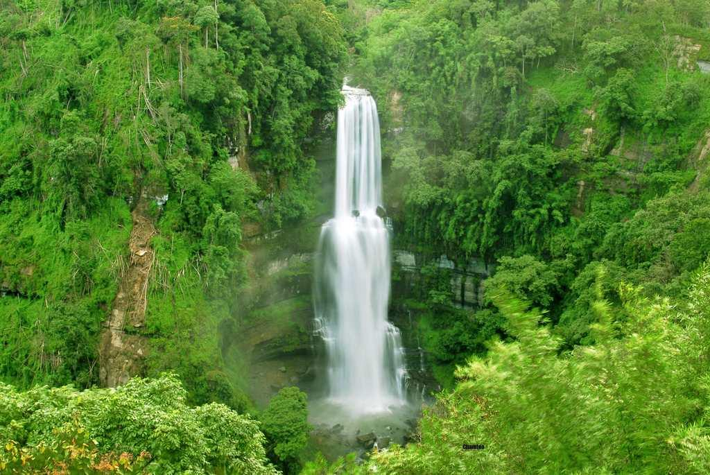 """Vantawng Khawhthla, the highest waterfall in Mizoram. The two-tiered waterfall has a total height of 751 feet and is the 13th highest waterfall in India. It is located at a distance of 137 km from Aizawl.<br><br>By <a target=""""_blank"""" href=""""http://www.flickr.com/photos/chamtea/"""">chamtea</a>/ Flickr"""