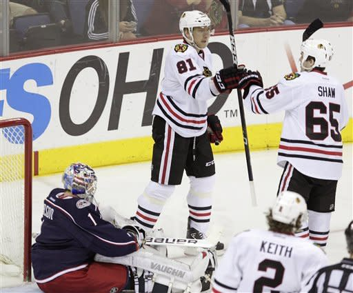 Sharp has 2 goals, Blackhawks rout Jackets, 5-1