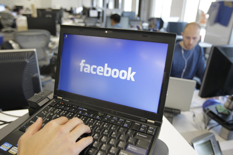 Facebook to let teens share with bigger audience