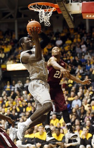 Early leads No. 23 Shockers over Southern Illinois