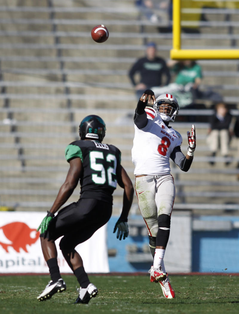 North Texas players suspended after theft arrests