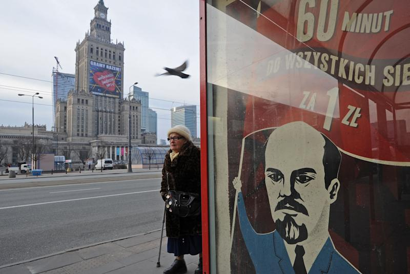 Mobile phone ads with Lenin spark anger in Poland