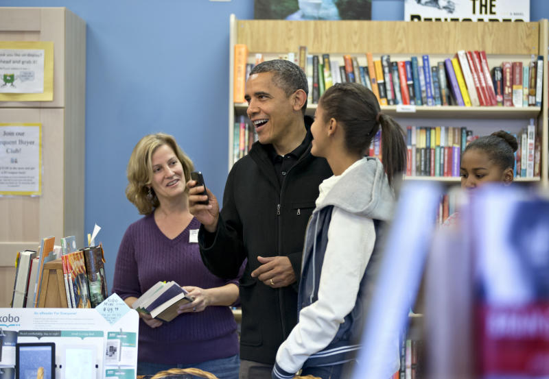 Obama buys books to promote independent shops