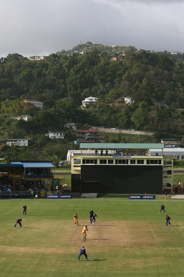KINGSTOWN, SAINT VINCENT AND THE GRENADINES - MARCH 09:  A general view of the ground during the Cricket World Cup 2007 Warm Up Match between Australia and England at the Arnos Vale Sports Complex on March 9, 2007 in Kingstown, Saint Vincent.  (Photo by Tom Shaw/Getty Images)