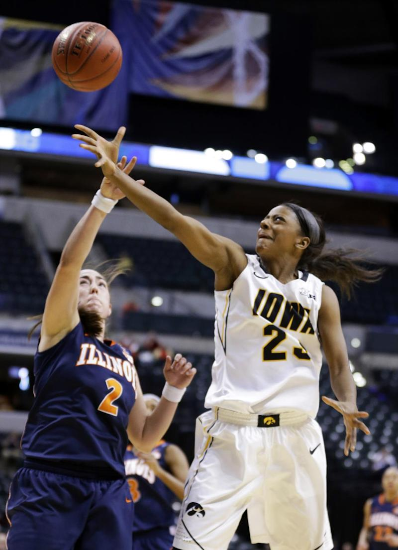 Doolittle sparks no. 23 Iowa past Illinois 81-62