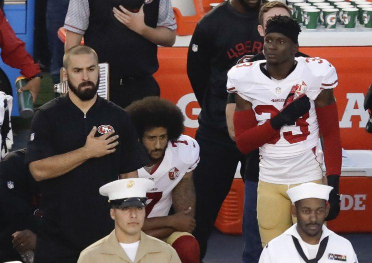 Kaepernick, 49ers teammate kneel during national anthem